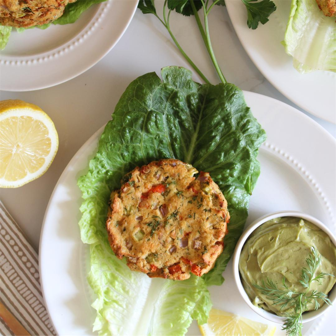 Gluten Free Salmon Cakes with Avocado Dill Sauce