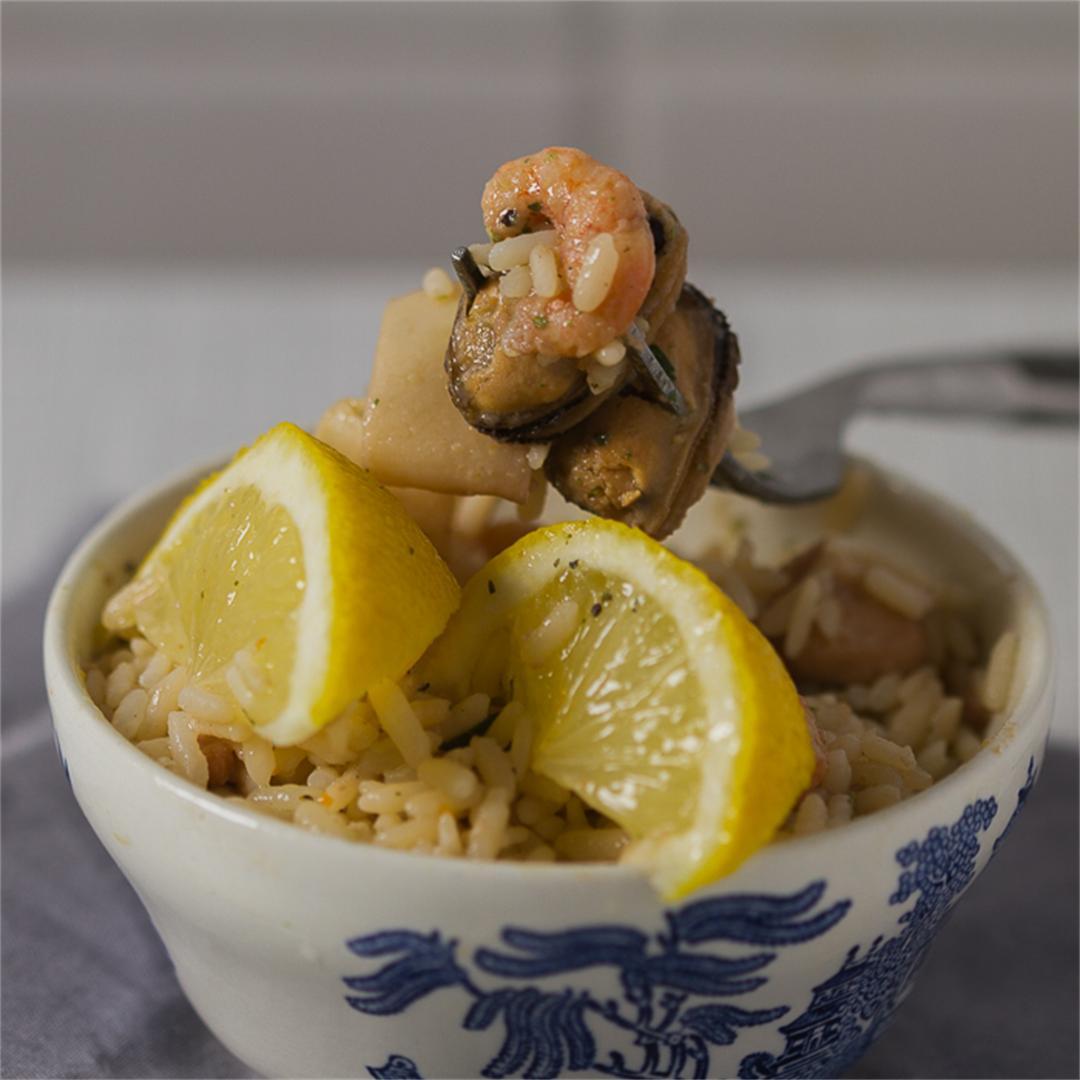 Classic Seafood Risotto in White Wine