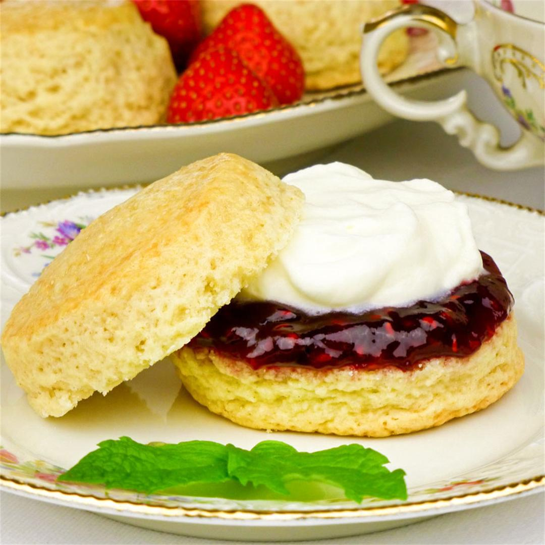 Light and delicate scones with jam and cream