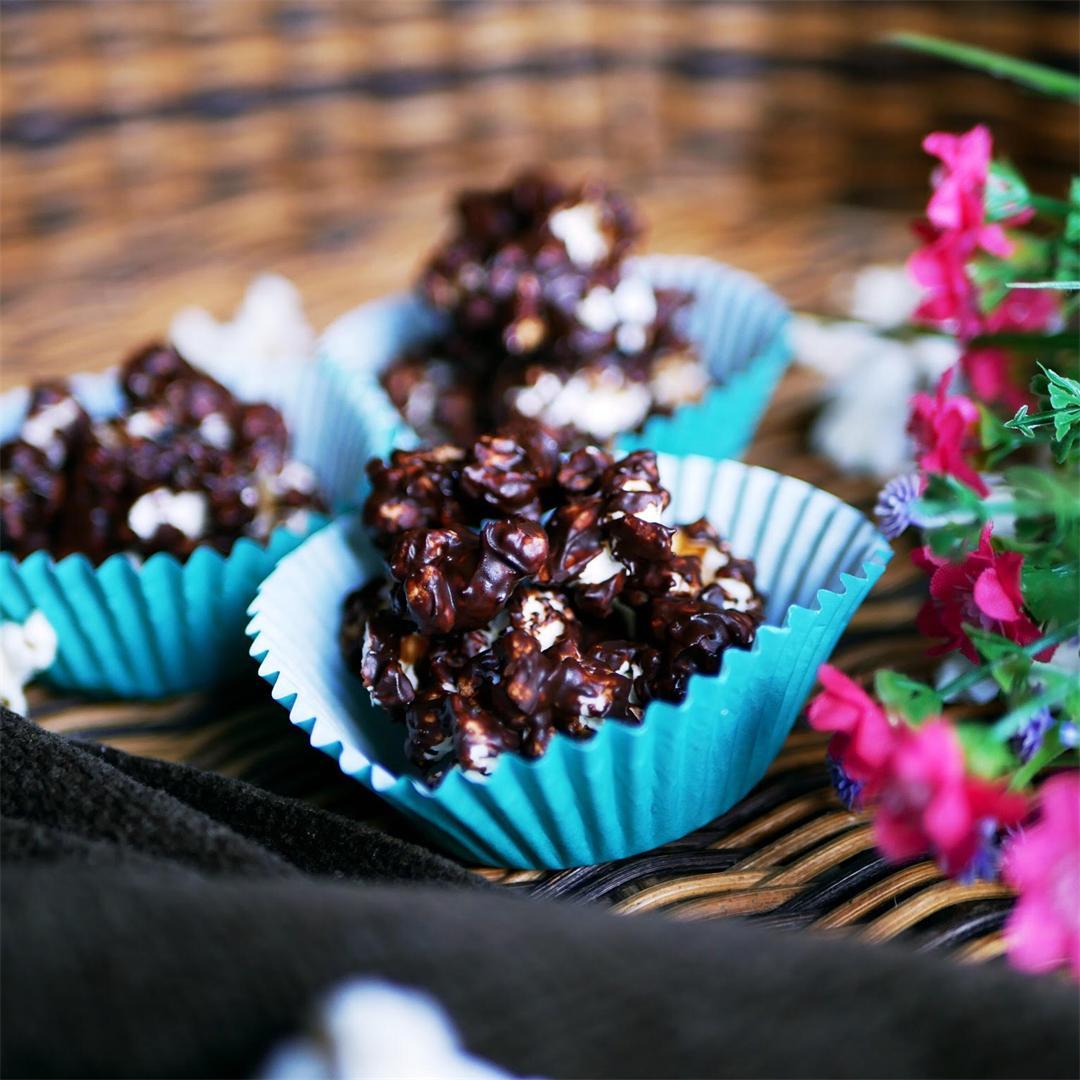 Chocolate Popcorn Cakes