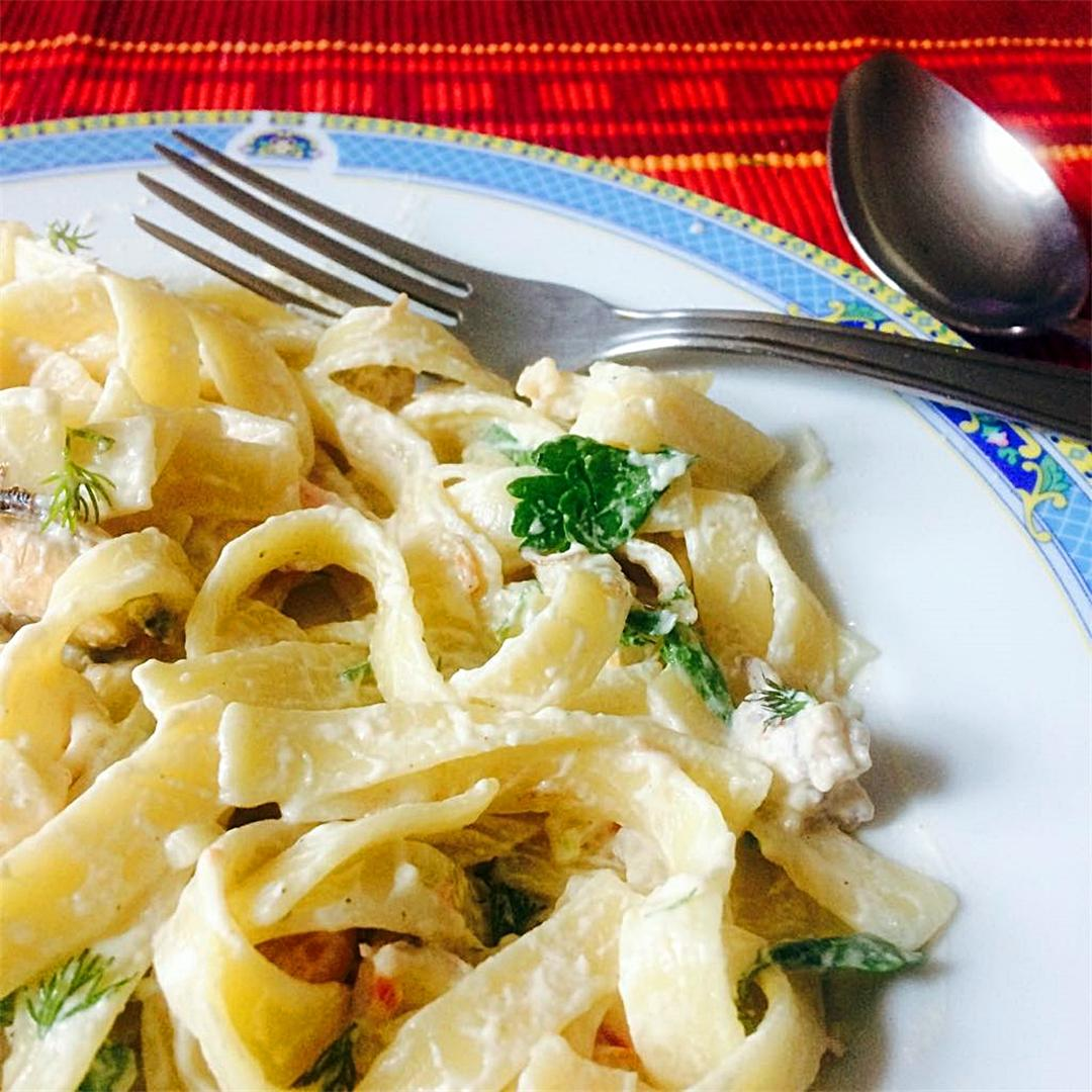 Quick and easy: delicious and creamy seafood pasta in a blink