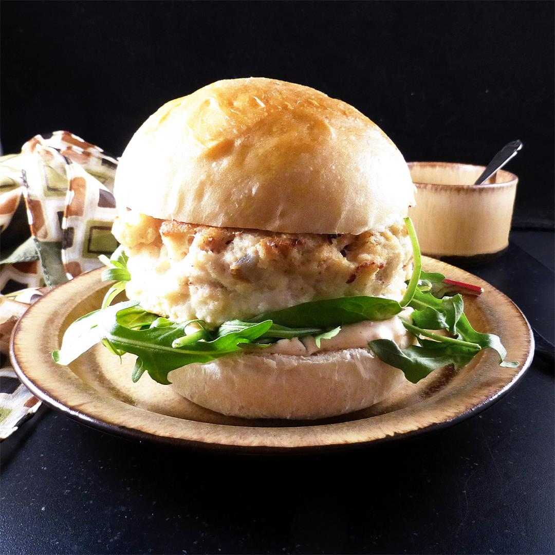 Fish Burgers with a Spicy Mayonnaise