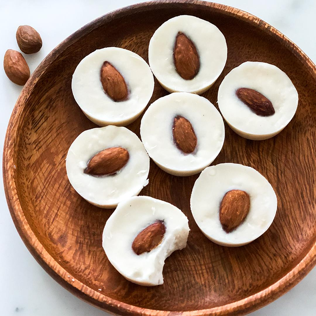 Keto White Chocolate Coconut Fat Bombs