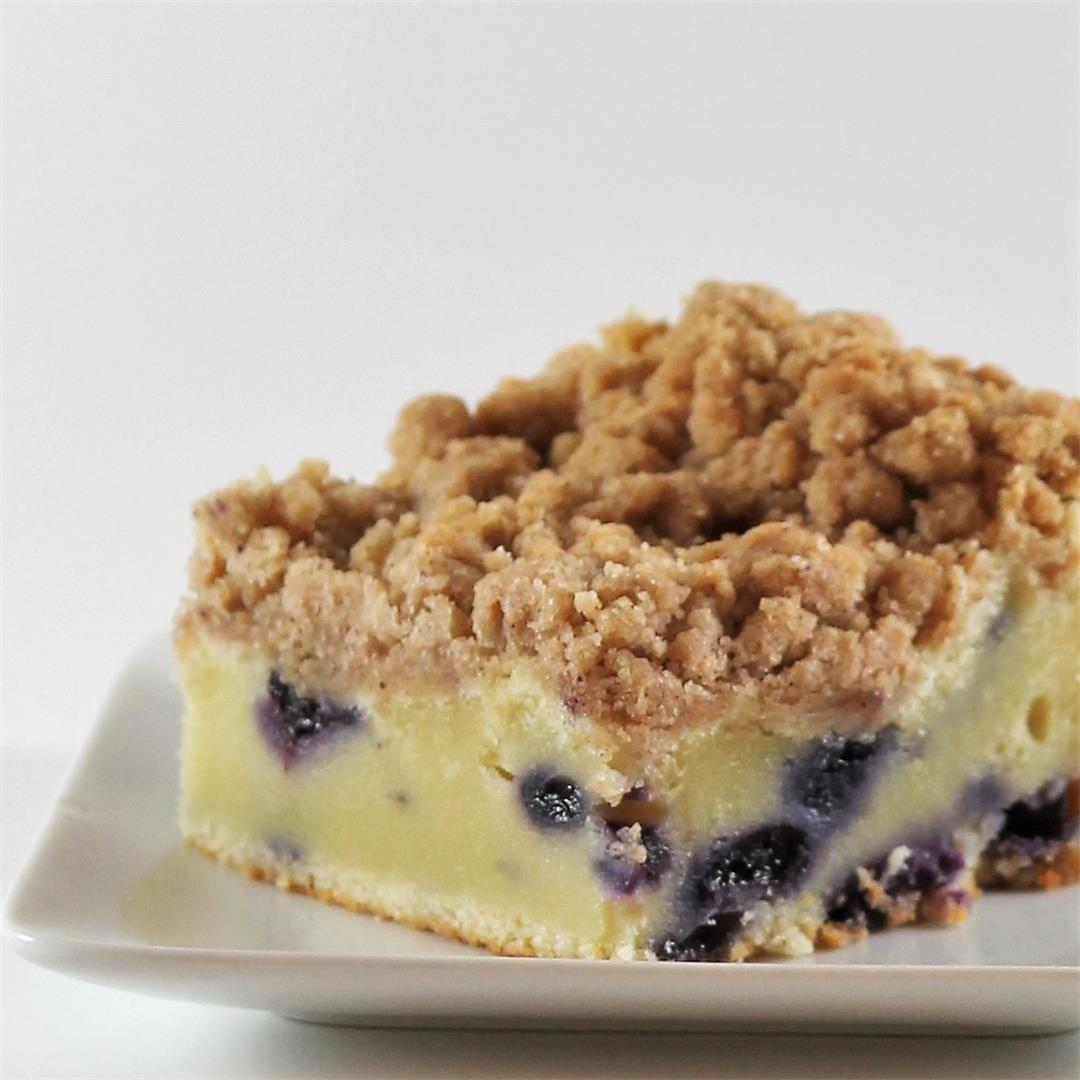 Sour Cream-Blueberry Crumb Cake: dense and ultra-moist