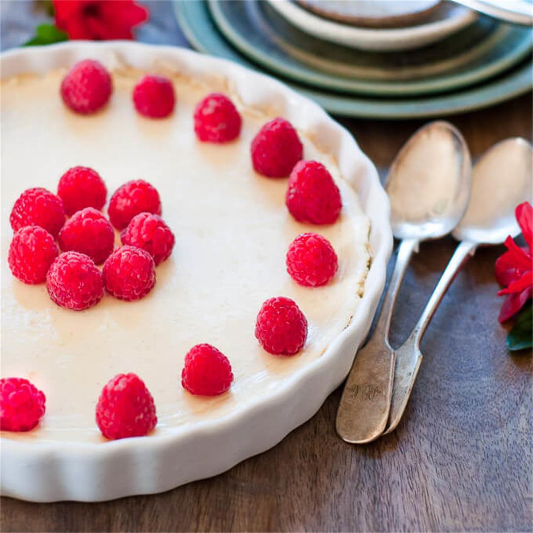 Crustless Cheesecake with Raspberries