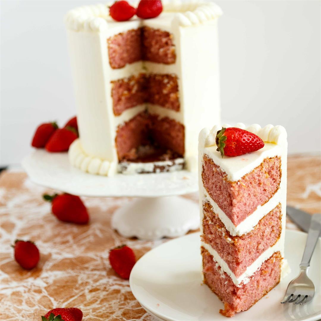 Moist Strawberry Cake Recipe with Velvet American Buttercream