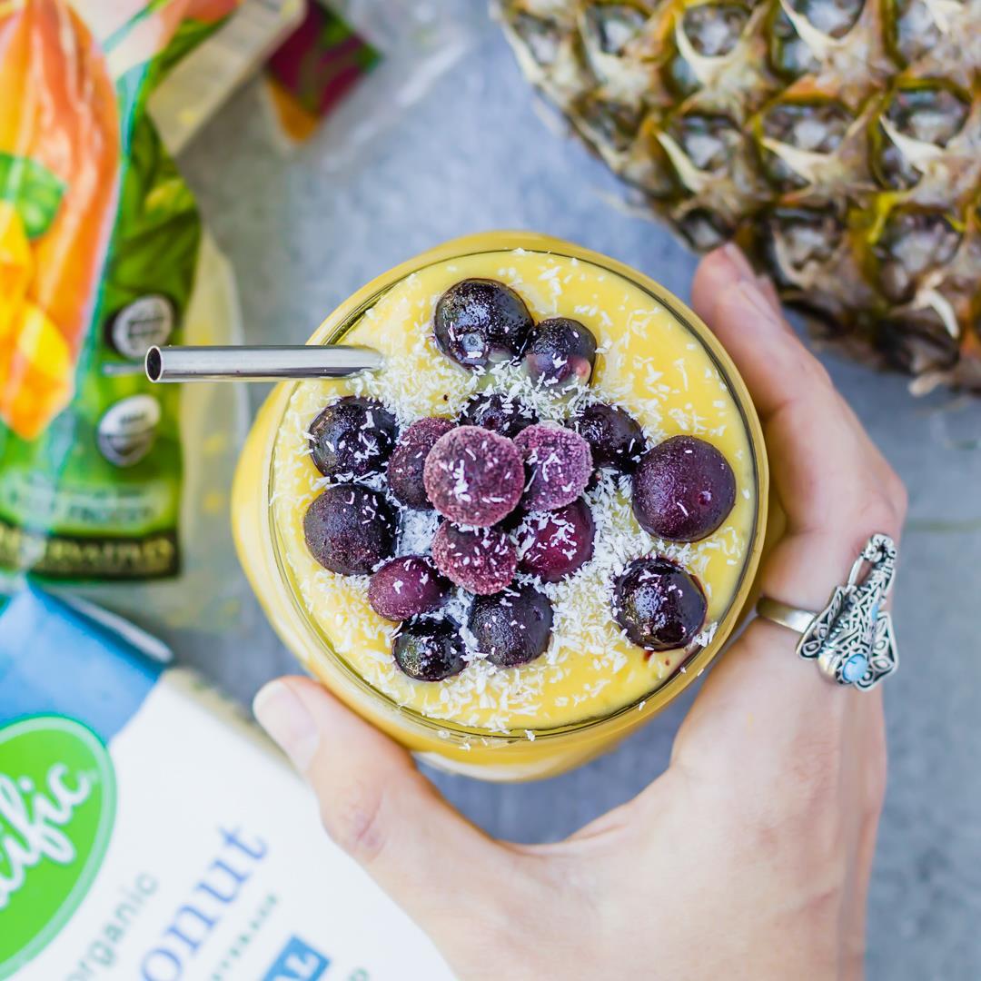 Vegan Mango Pineapple Blender Smoothie