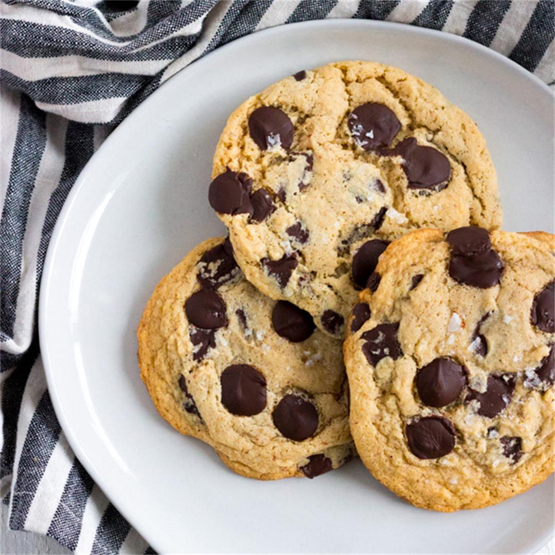 The Best (& Easiest) Gluten-Free Chocolate Chip Cookies
