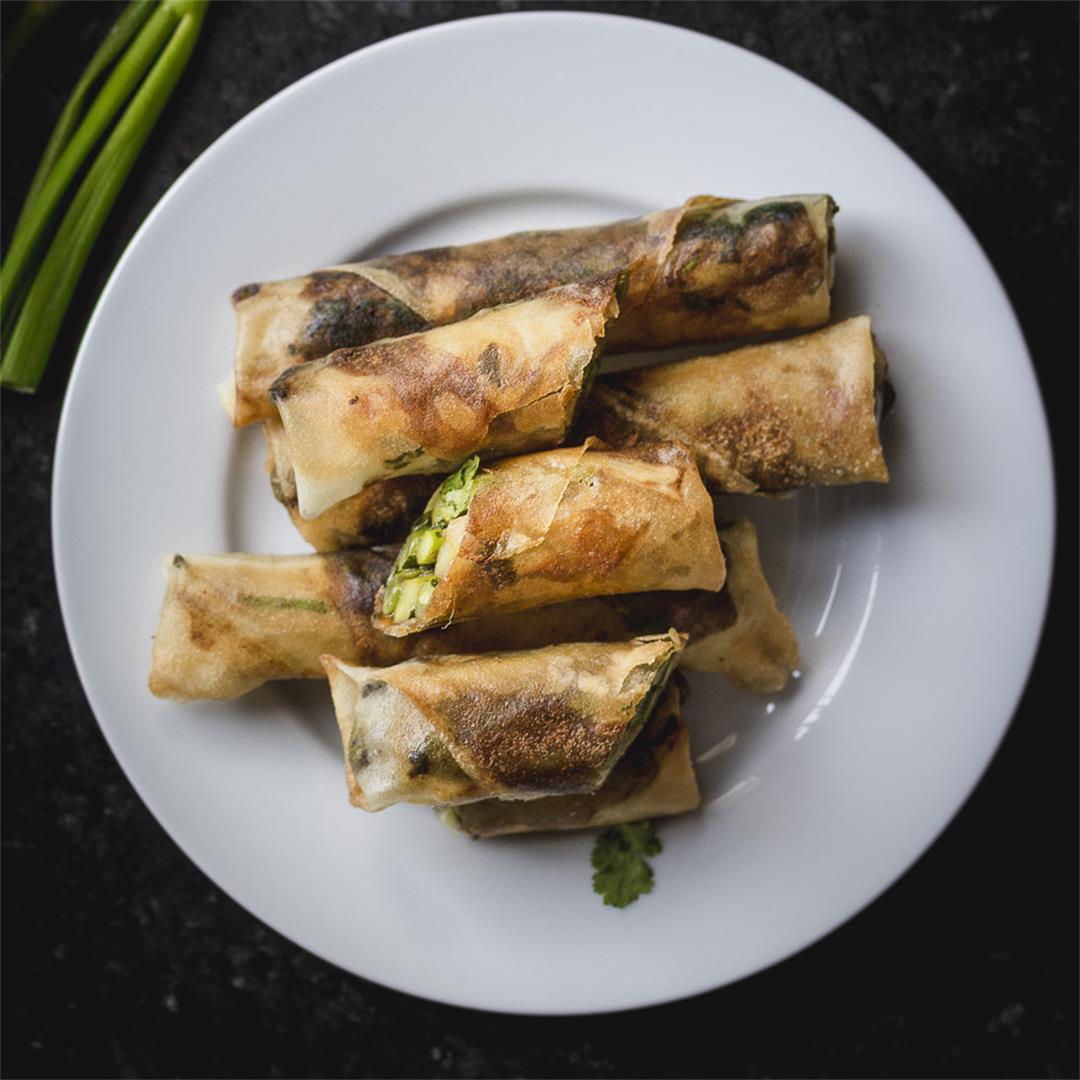 crispy egg rolls w/ asparagus, prosciutto, and cream cheese