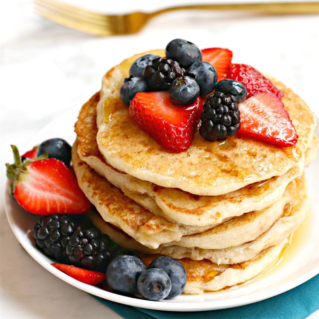 Vegan Banana Yogurt Pancakes (gluten-free option)