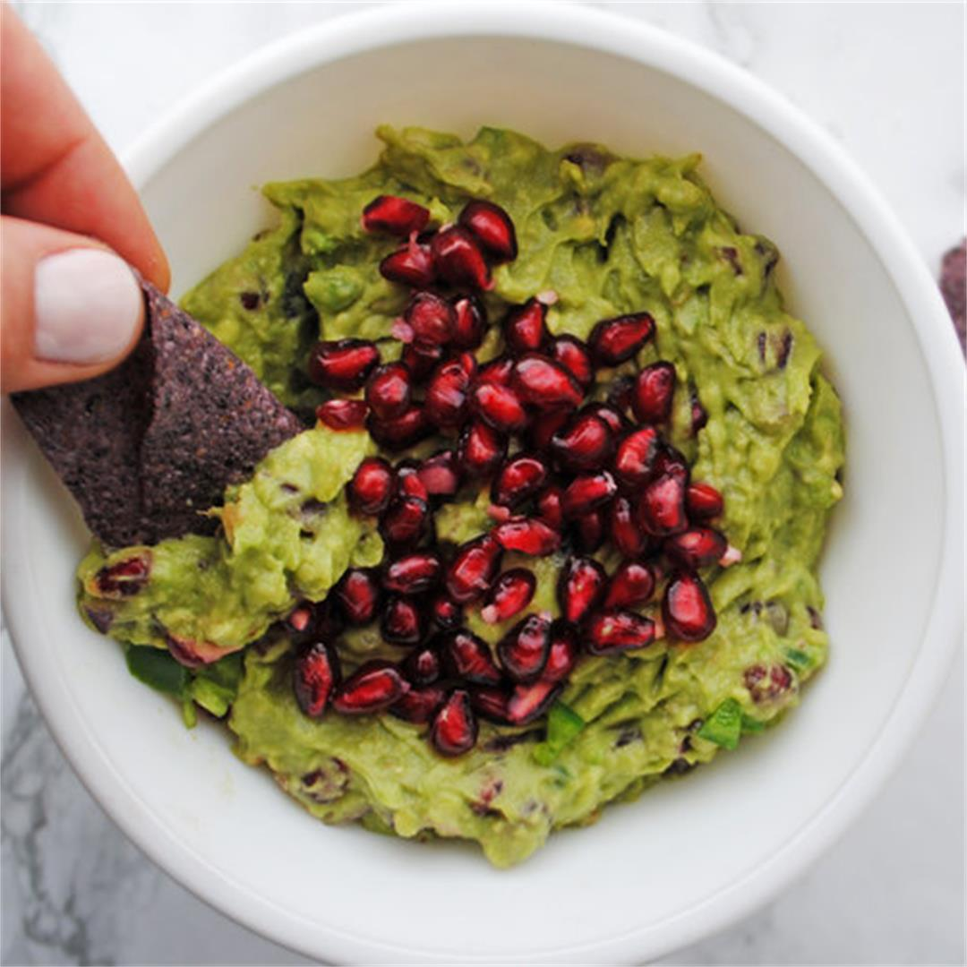 Spicy Pomegranate Guacamole