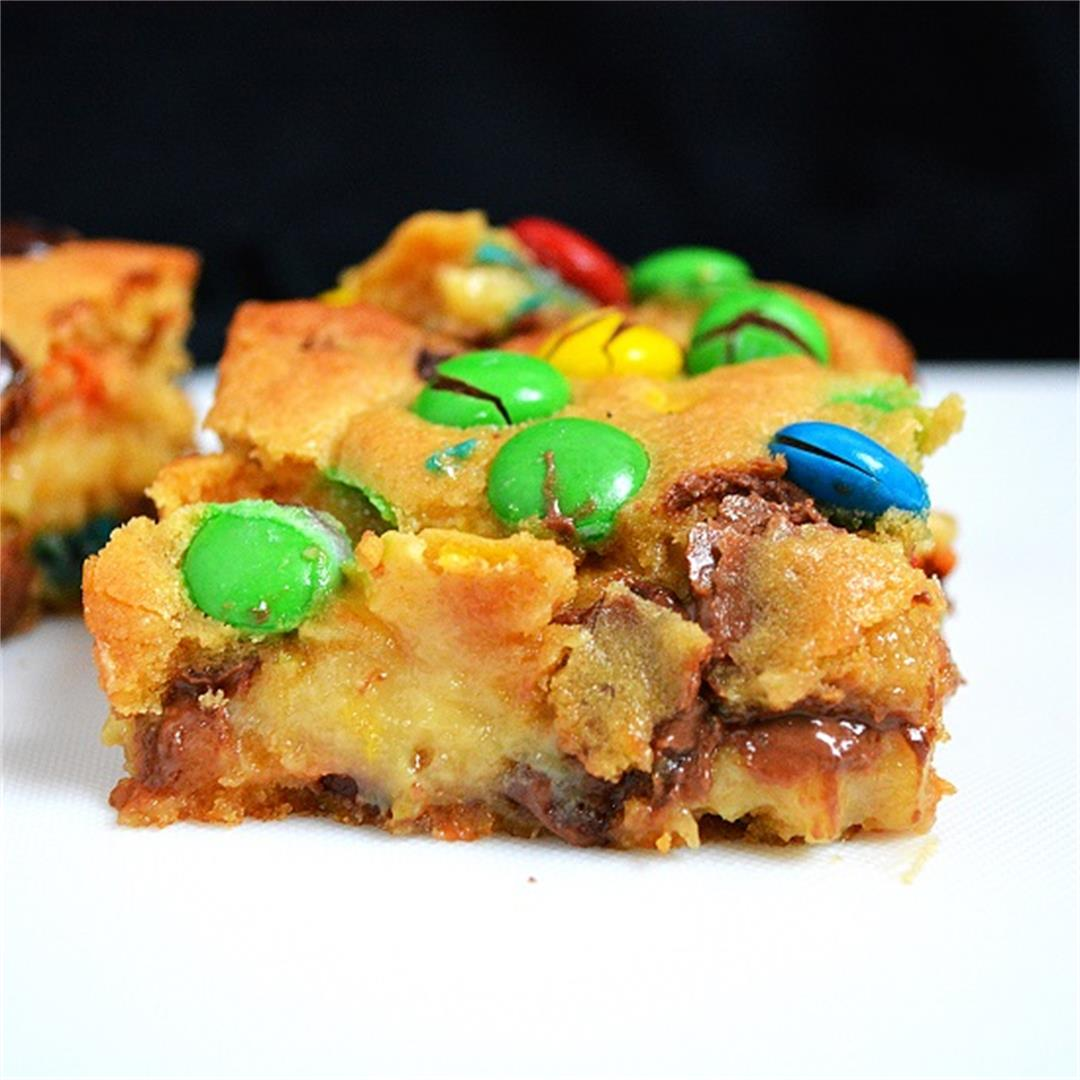 M&M Caramel Cookie Bars
