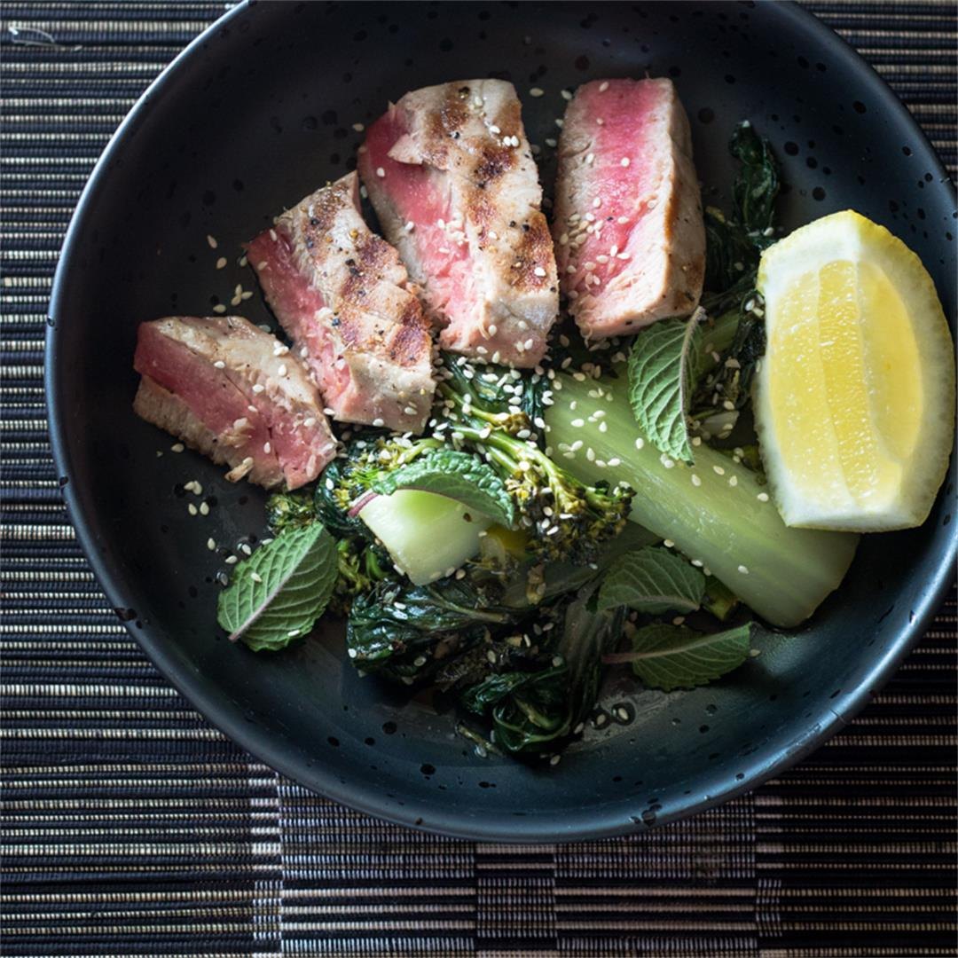 Grilled Tuna with Mixed Greens
