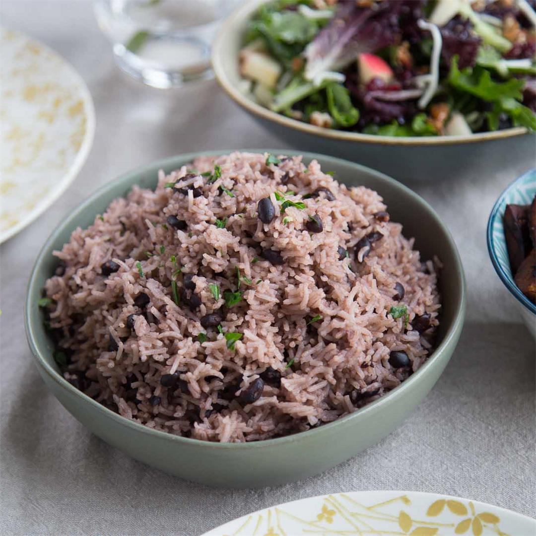 Arroz Moro (Cuban Black Beans & Rice)