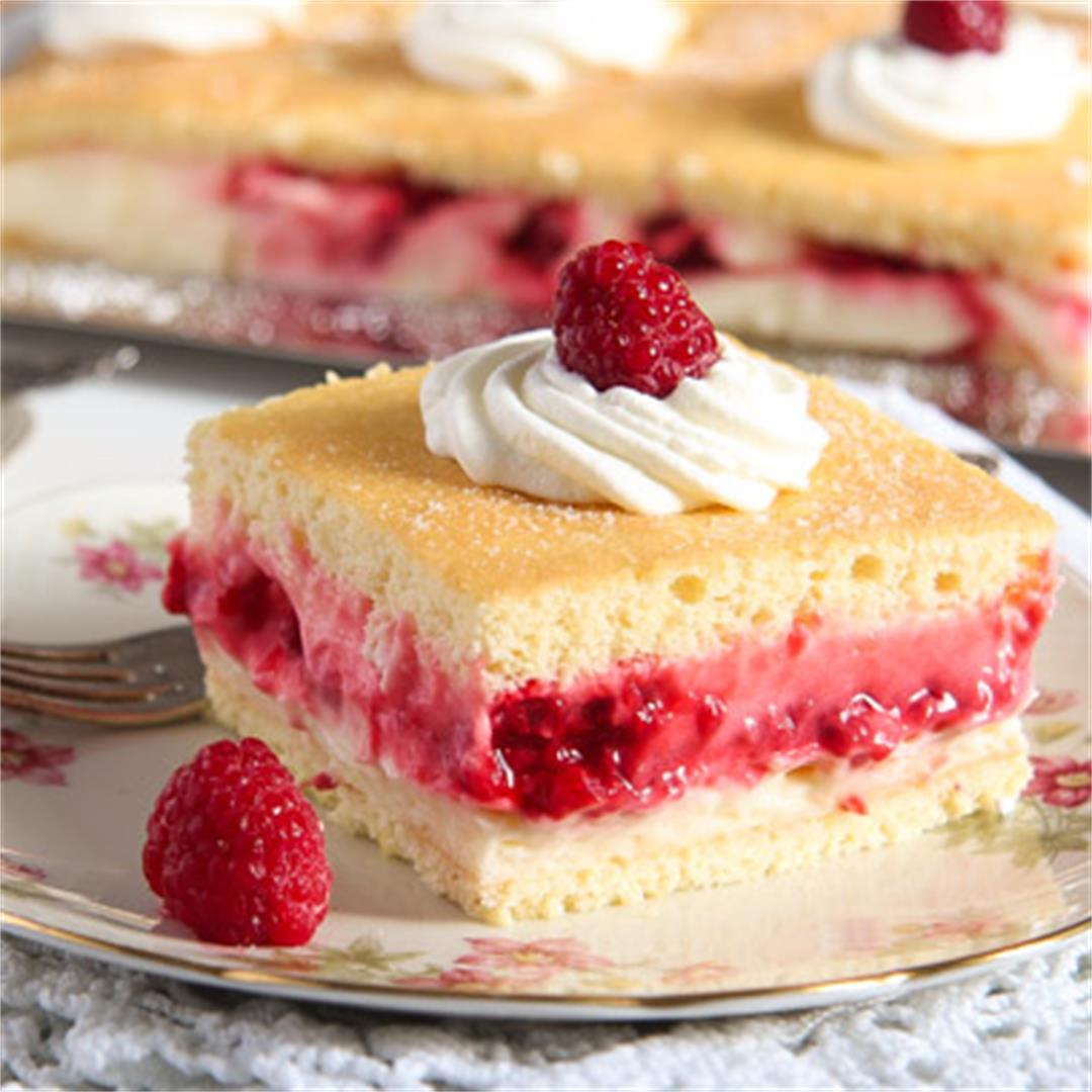 Amazing Cake with Lemon Curd, Cream and Raspberry Filling