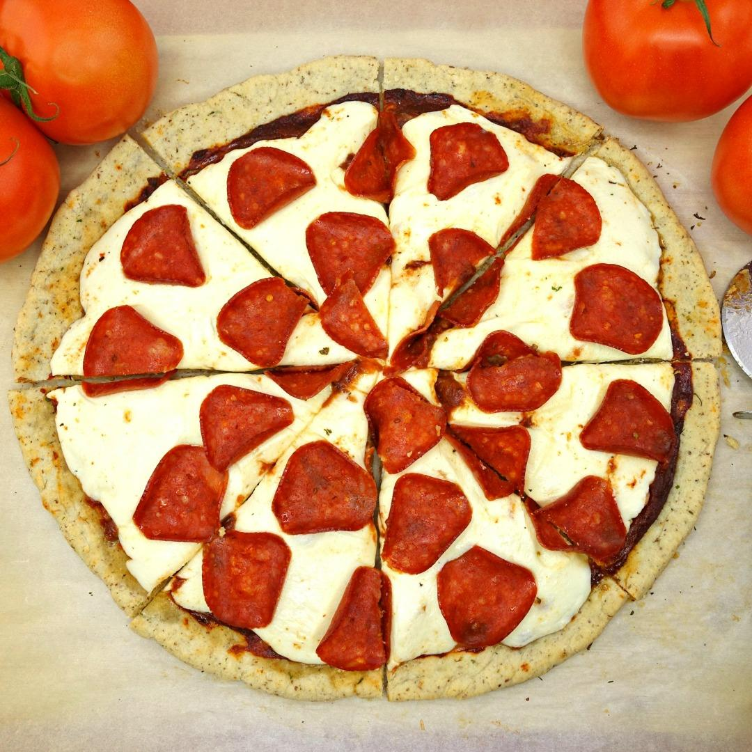 The Best Gluten Free Classic Pepperoni Pizza