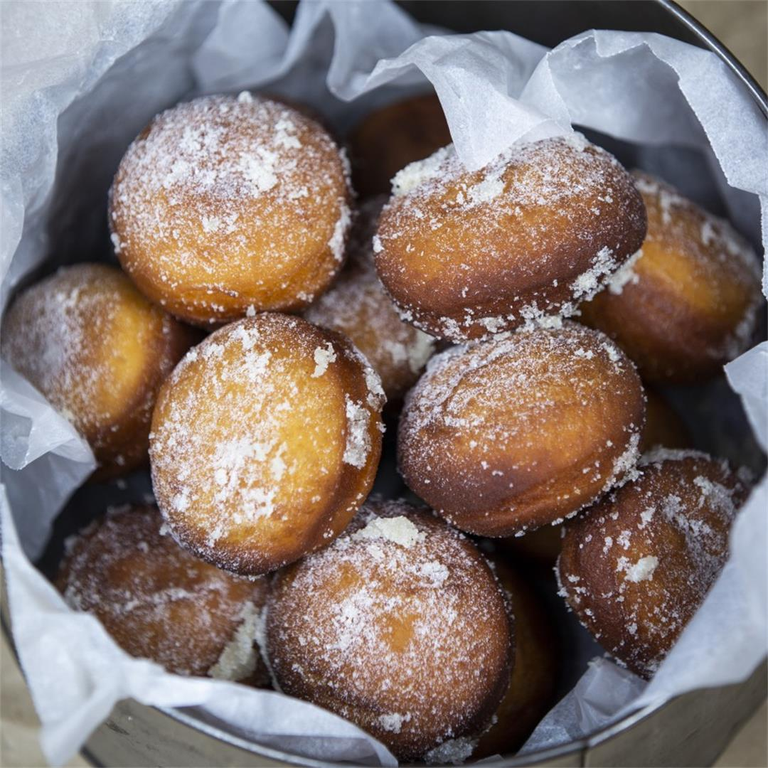 Light and Fluffy Doughnut Holes