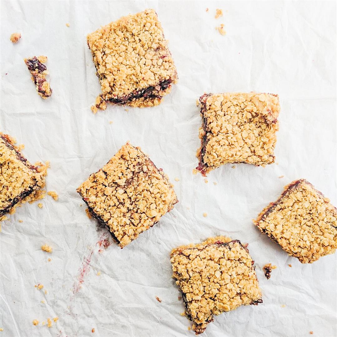 Blackberry Oatmeal Bars - gooey, sweet and delicious!