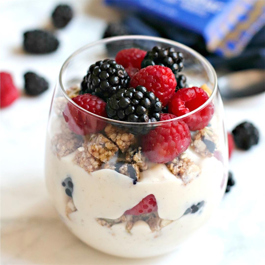 Breakfast Yogurt Parfait (Vegan)