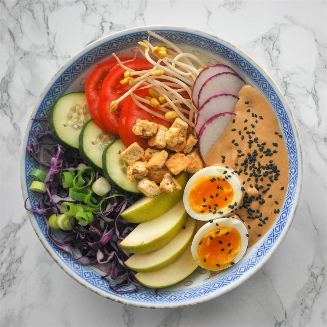 Gado Gado - Indonesian vegetable salad with peanut sauce