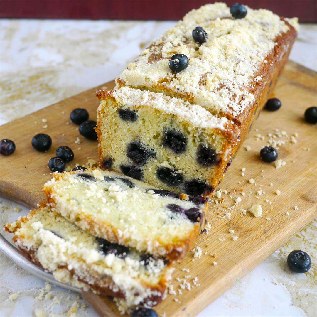 Blueberry Cream Cake with Crumb Topping