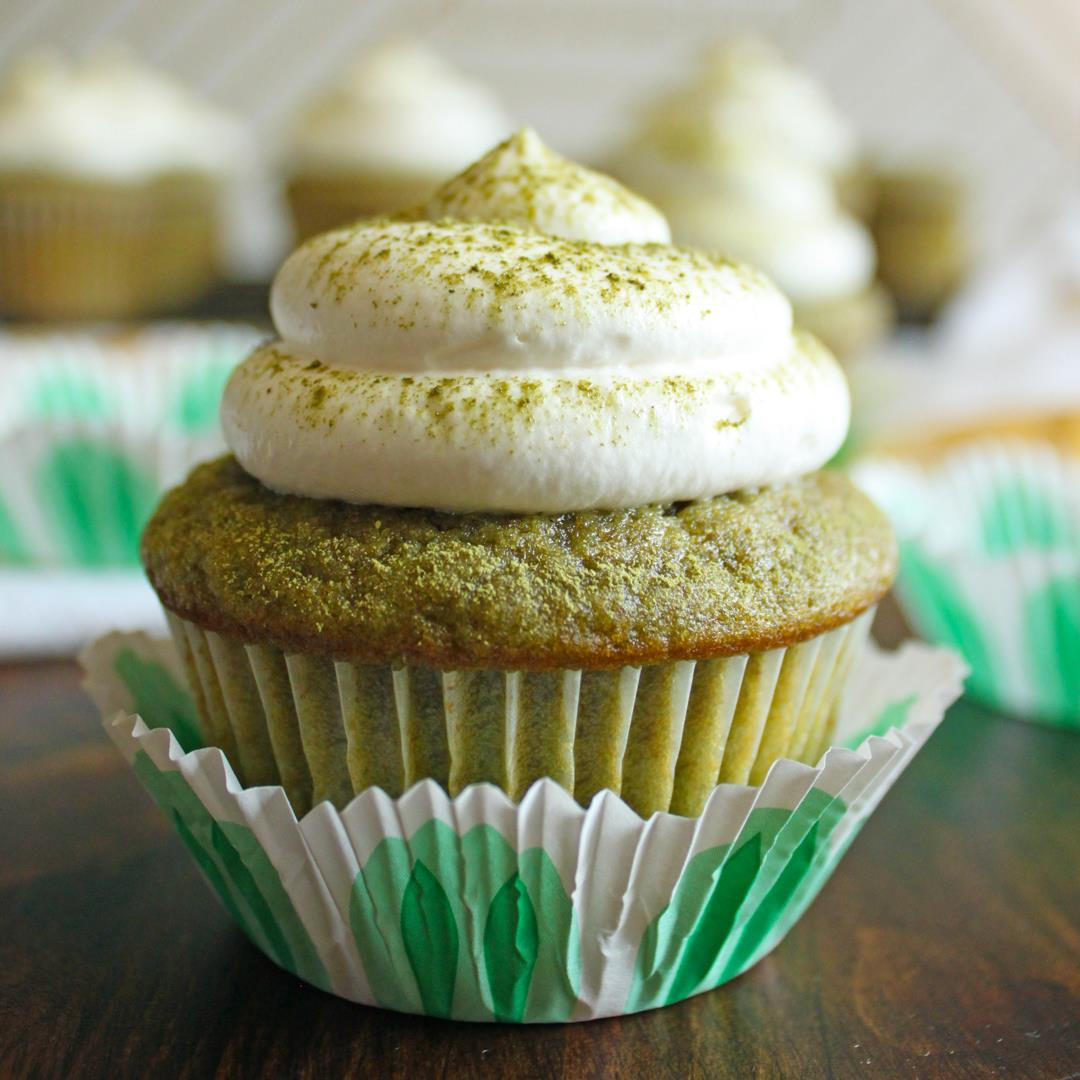 Matcha Green Tea Cupccakes with Whipped Cream