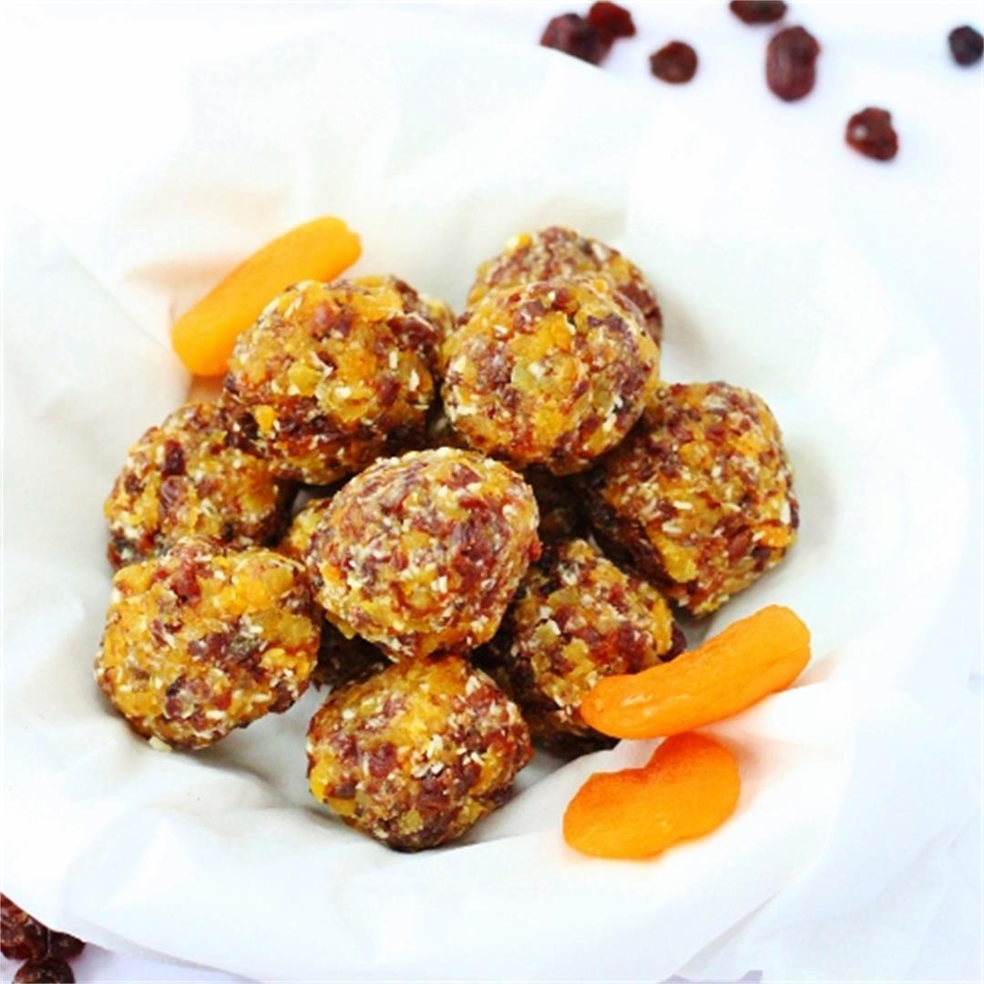 Coconut Apricot and Sultana Snack Balls