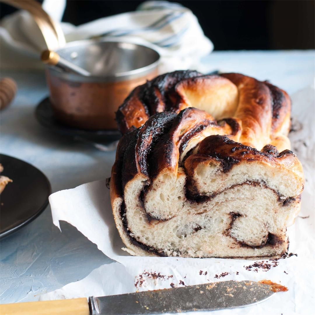 Chocolate Babka – Rich sweet bread filled with dark chocolate