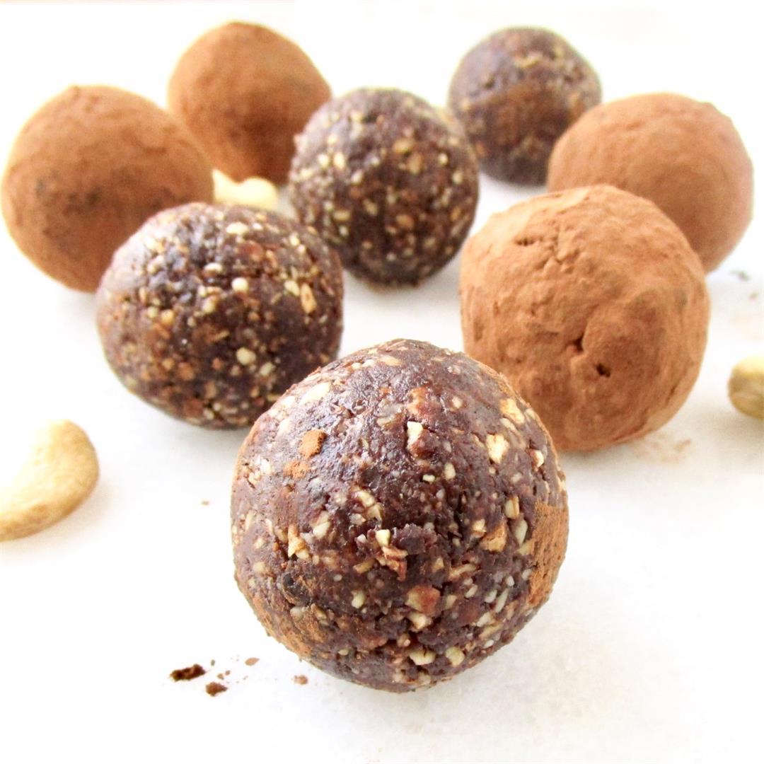 Cocoa Cashew Energy Balls