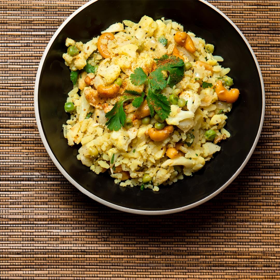 Flattened Rice with Cauliflower and Peas (Poha)