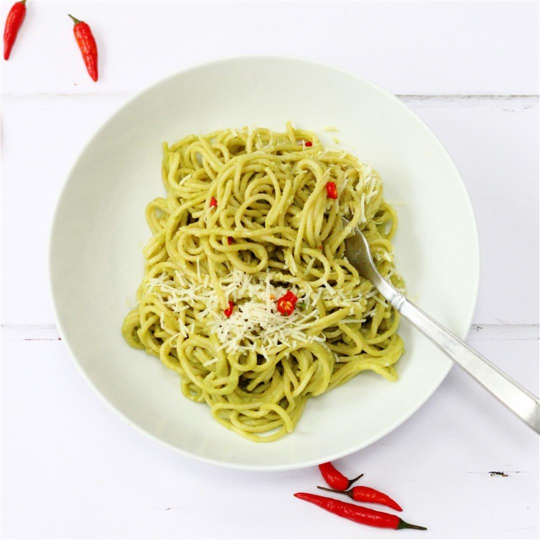 Avocado Spaghetti Sauce with Chilli and Lemon