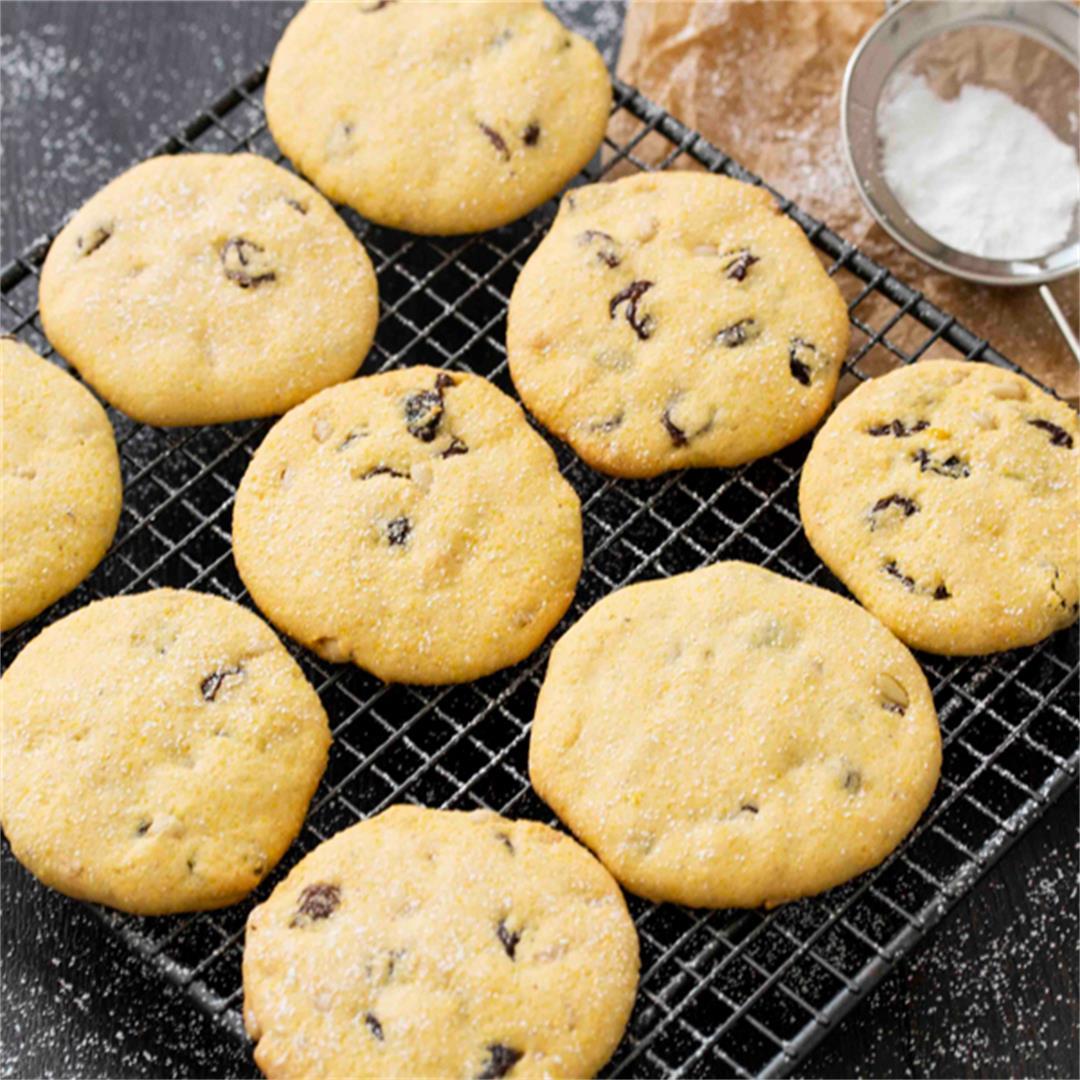 Italian Polenta Cookies (Zaleti)