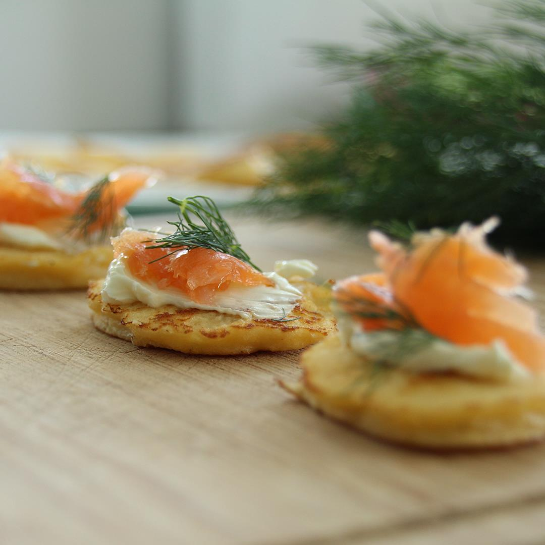 Low-Carb Smoked Salmon Blinis - perfect to share at parties
