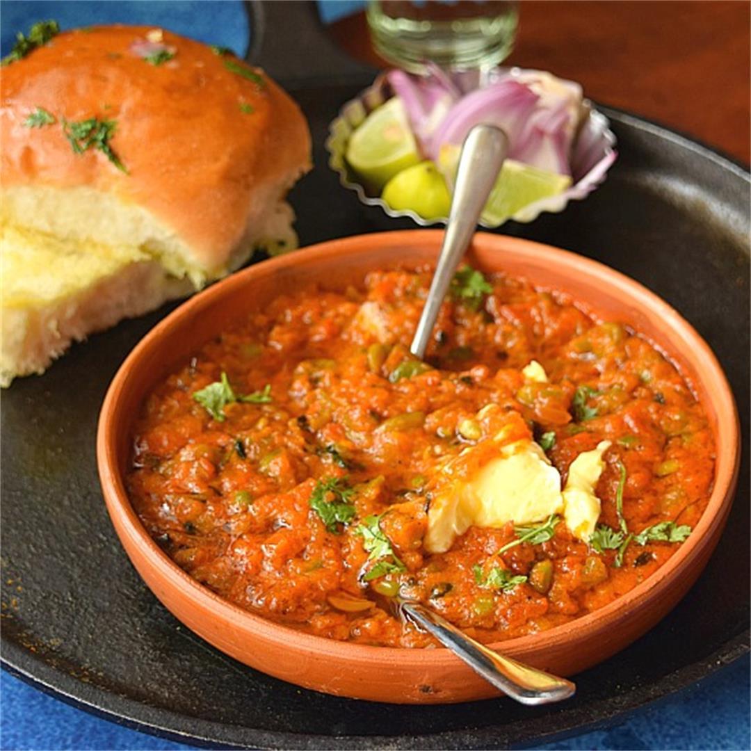 Famous Mumbai street food -Pav Bhaji