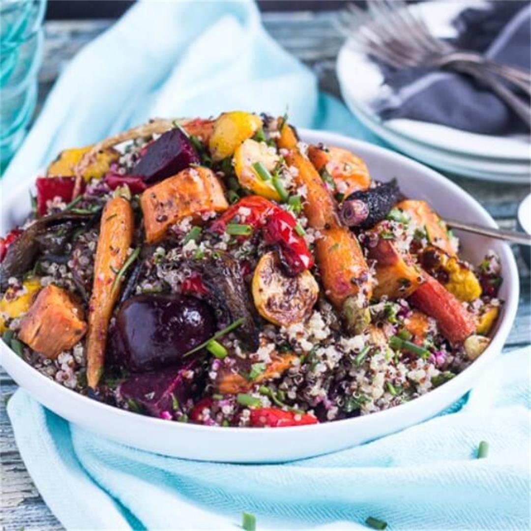 Simple Mediterranean Quinoa Salad