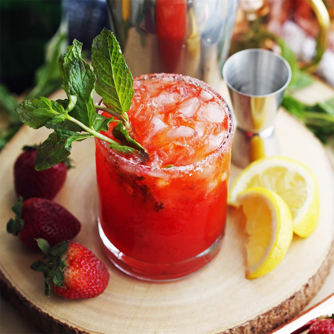 Mint Strawberry Whisky Smash