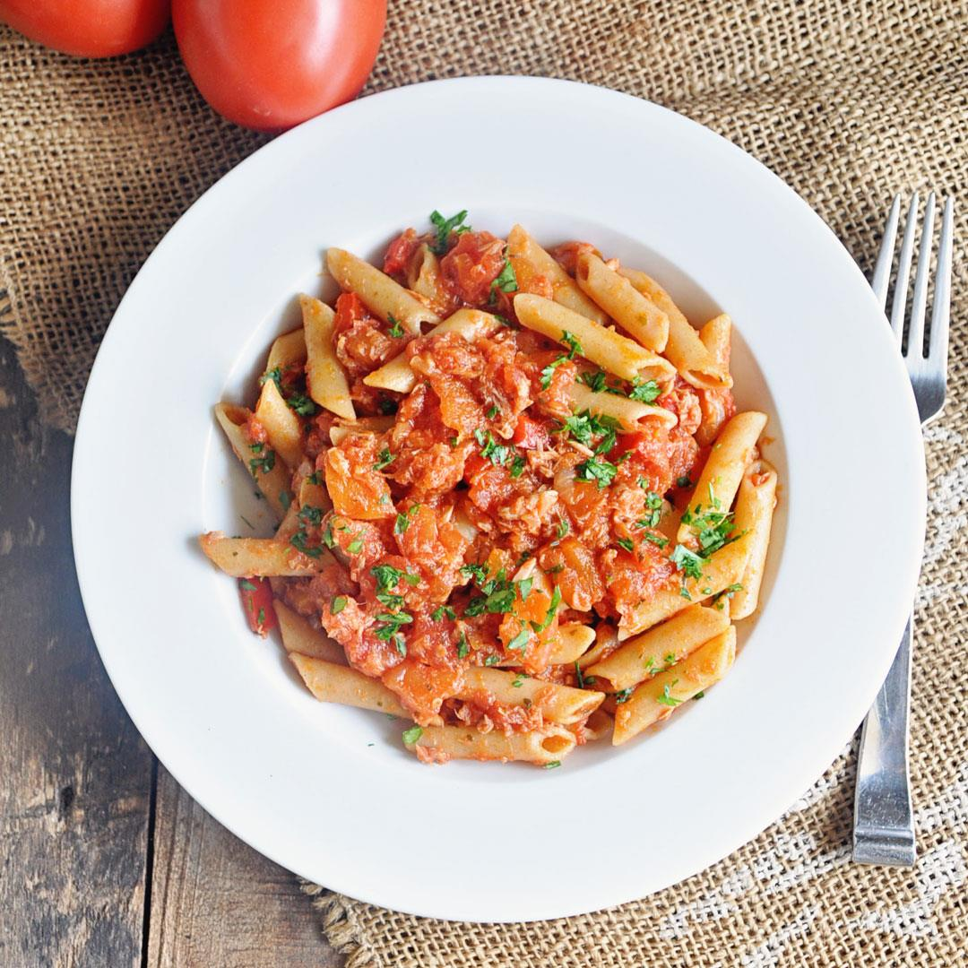 Easy Penne Pasta with Tuna & Tomato Sauce