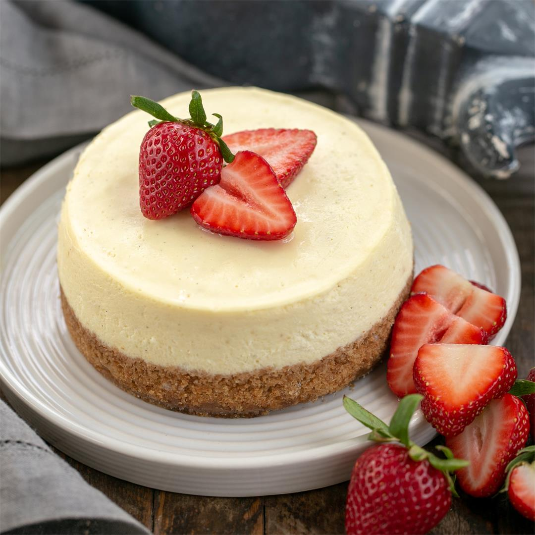 Vanilla Bean Instant Pot Cheesecake