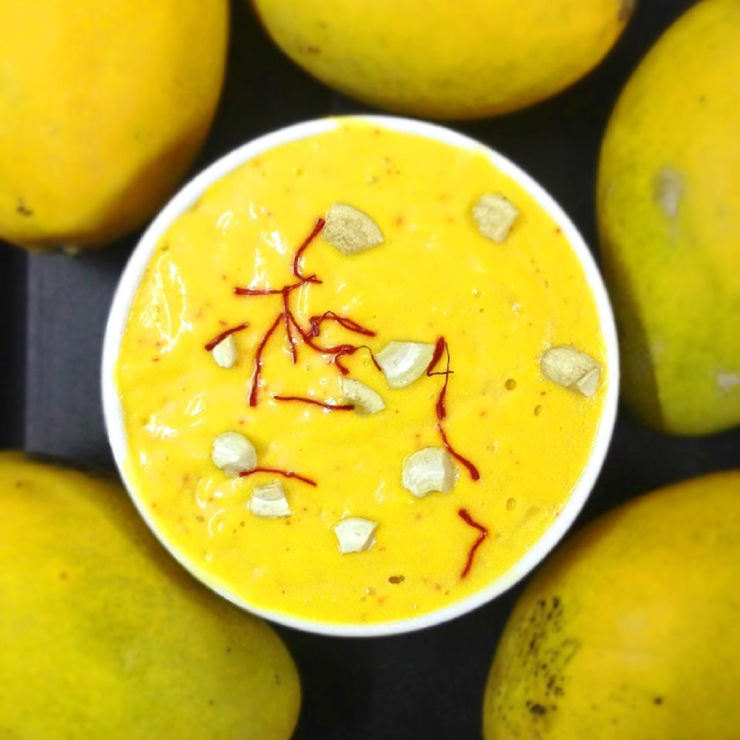 Aamras, the King of all food during summer days