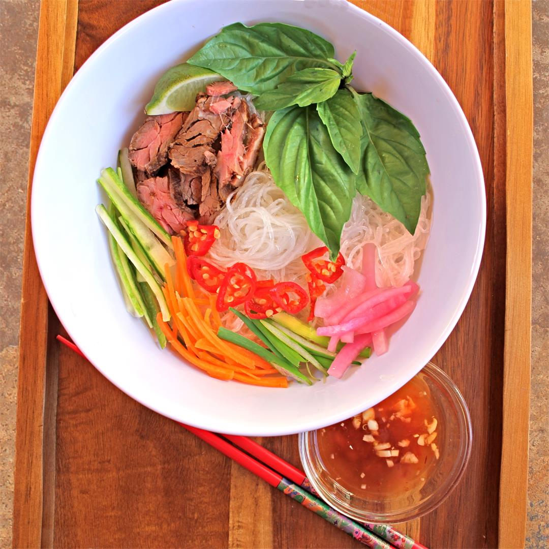 Bun Bo Xao: Vietnamese Lemongrass Beef Noodle Bowls