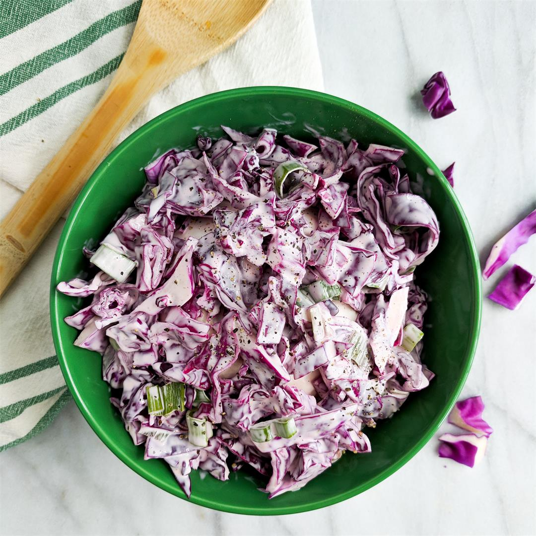 Quick and Easy 4 Ingredient Creamy Coleslaw!