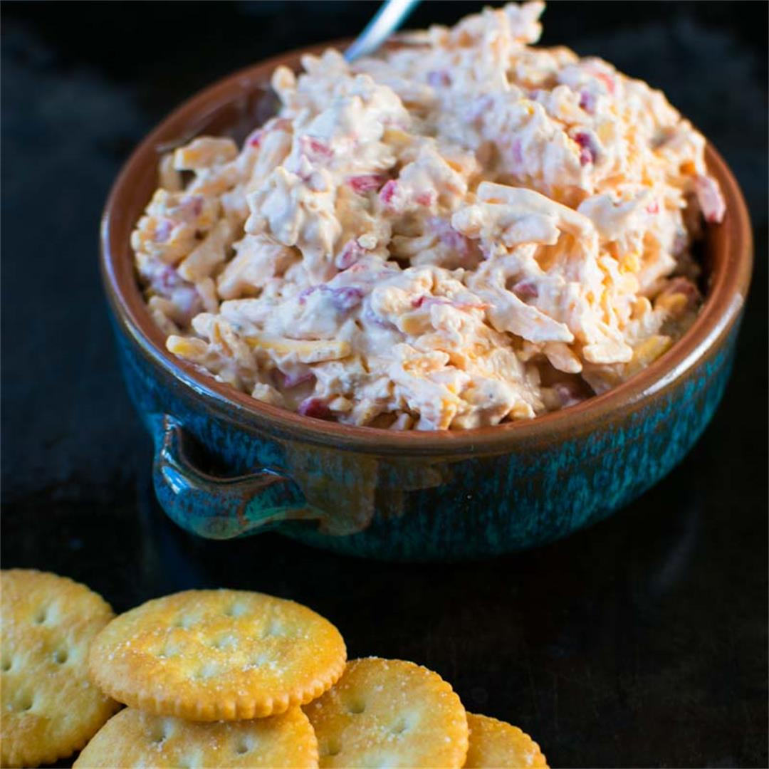 Quick Homemade Southern Pimiento Cheese