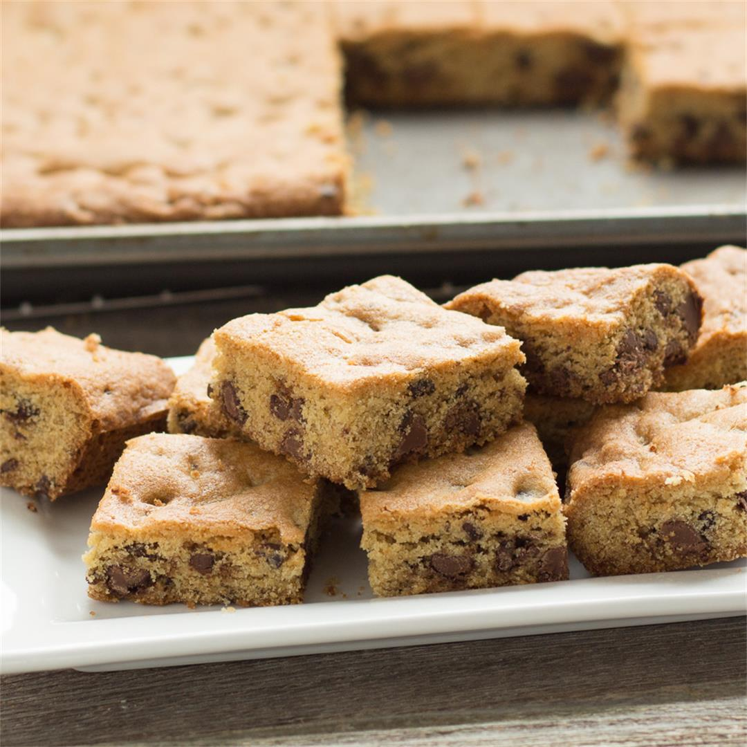 Large Batch Chocolate Chip Cookie Bars