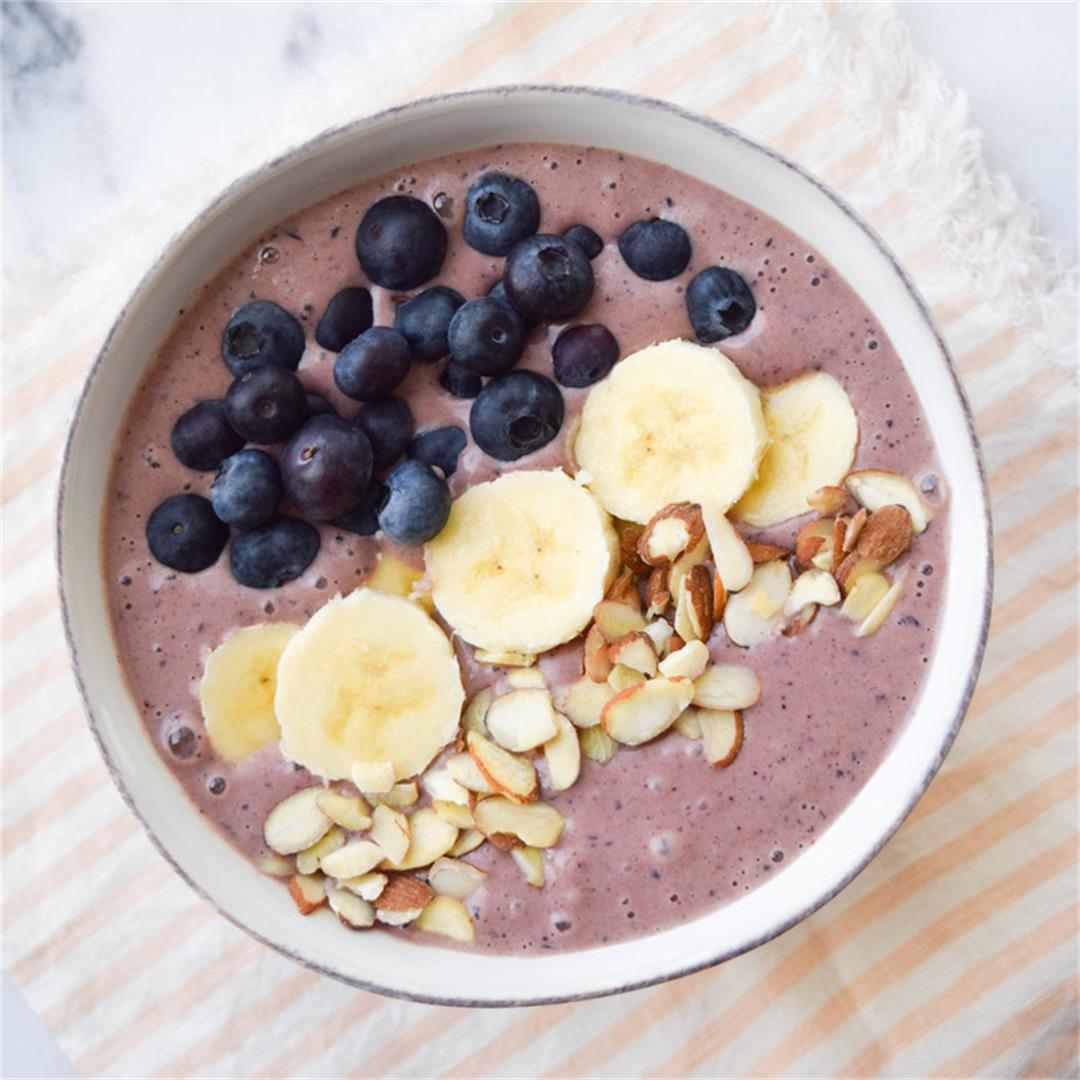 PB & Berry Smoothie Acai Bowl