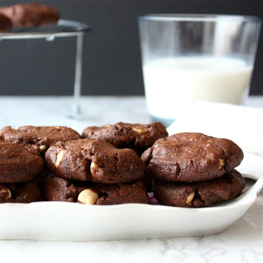 White Chipit Double Chocolate Cookies