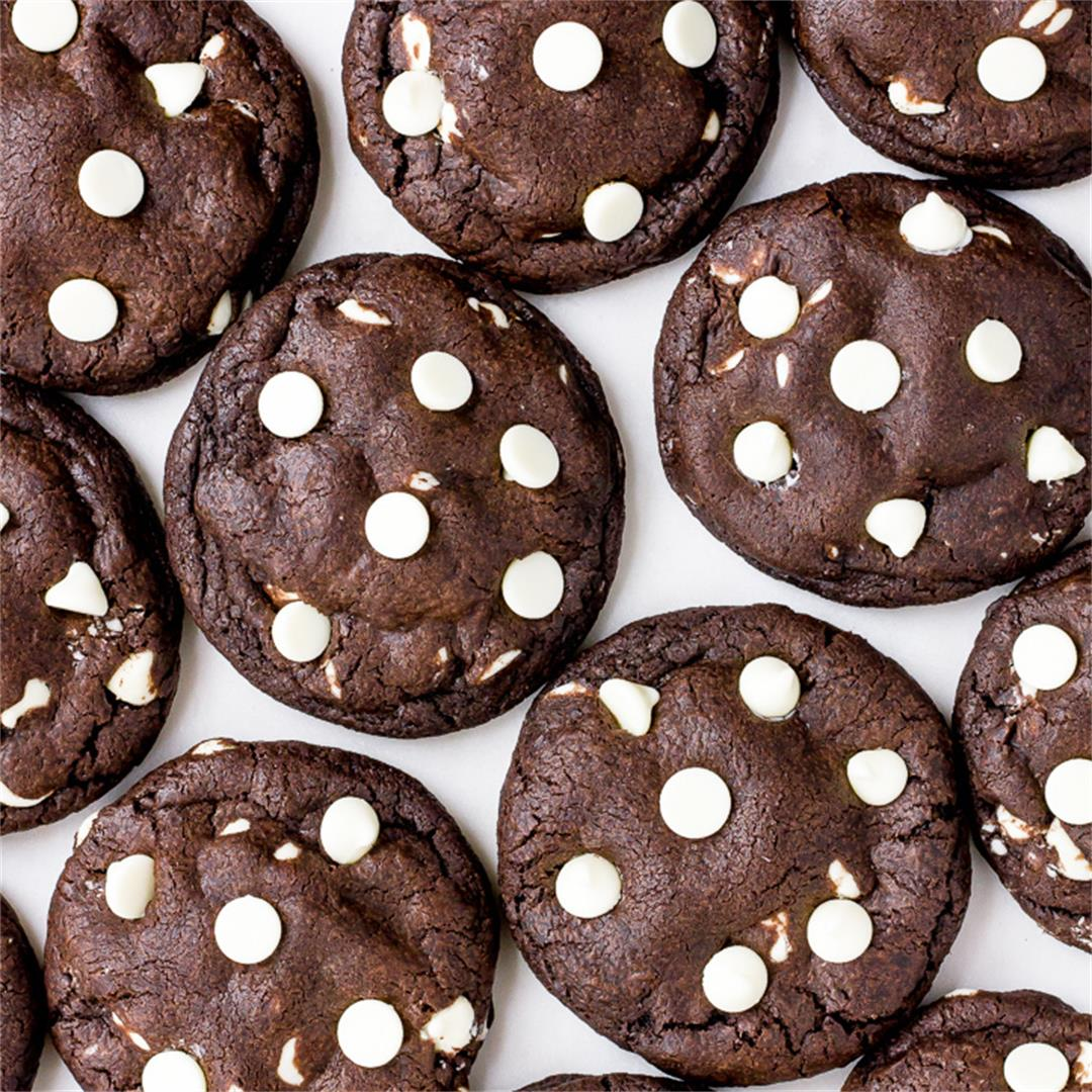 Dark Chocolate + White Chocolate Chip Cookies