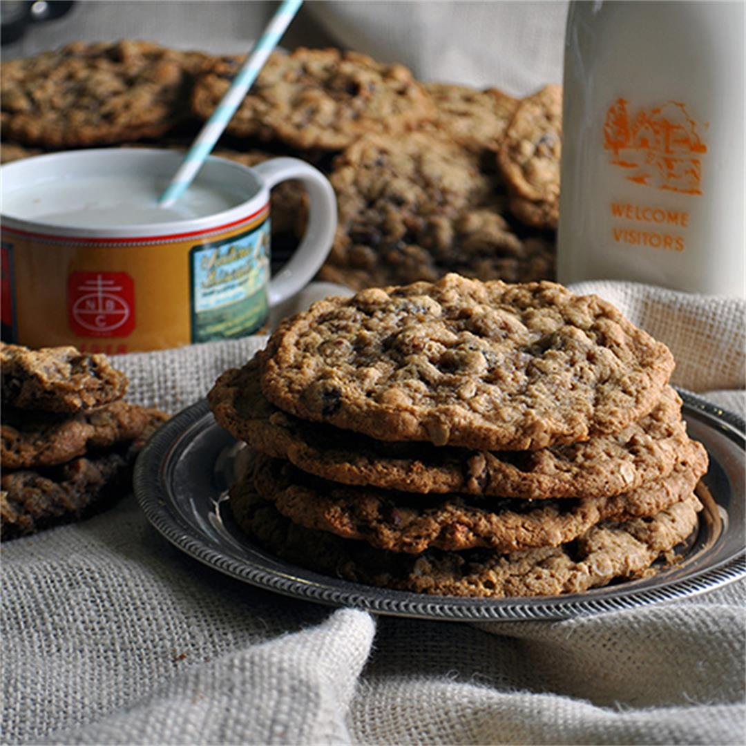 Giant Chewy Oatmeal Raisin Cookies
