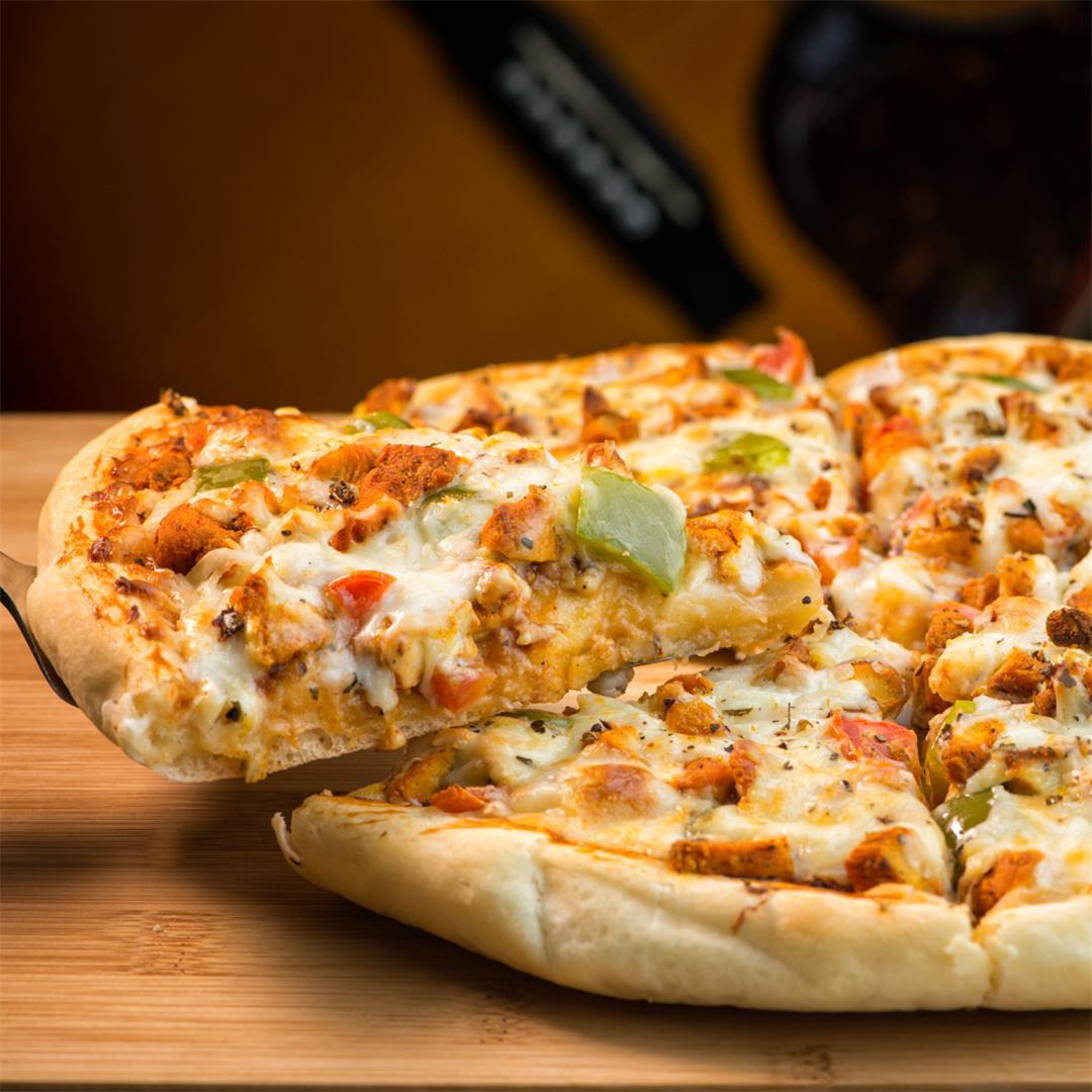 Chicken Tikka Pizza / Homemade Chicken Pizza