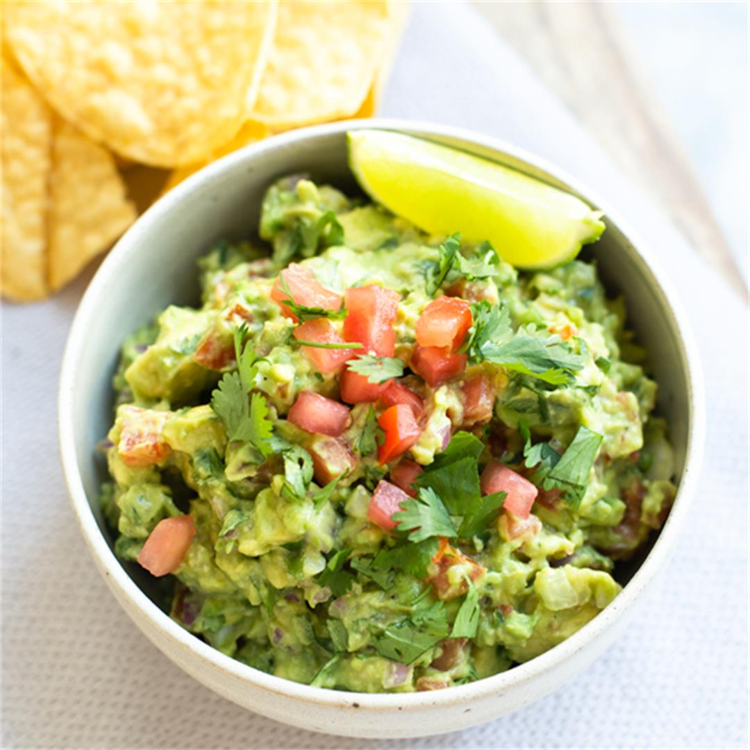 Easy Homemade Mexican Guacamole