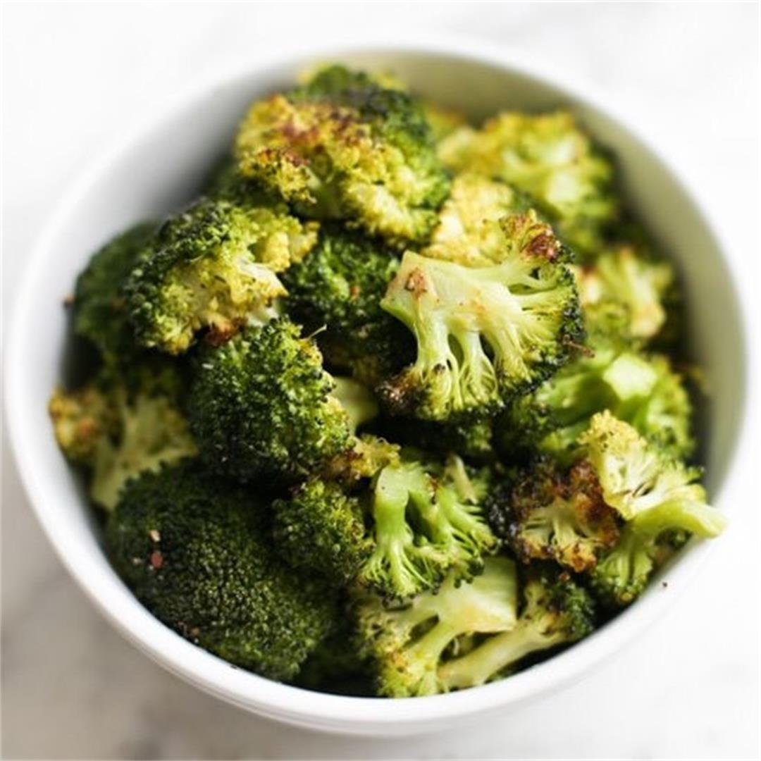 Easy One Pan Roasted Broccoli
